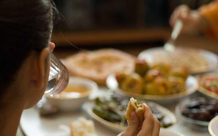 Ramadan 2021: ਸਹਰੀ ਅਤੇ ਇਫਤਾਰ 'ਚ ਲਓ ਬੈਲੇਂਸ ਡਾਇਟ, ਜਾਣੋ ਕੀ ਖਾਣਾ ਚਾਹੀਦਾ ਅਤੇ ਕੀ ਨਹੀਂ ?