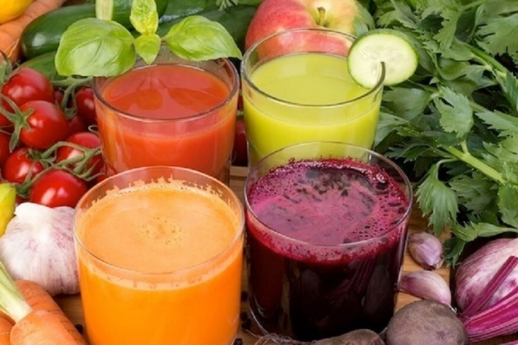 ਵੱਧਦੇ ਕੋਰੋਨਾ ਦੇ ਵਿਚਕਾਰ ਤੁਹਾਨੂੰ ਹੈਲਥੀ ਰੱਖਣਗੀਆਂ ਇਹ Immunity Booster Drinks
